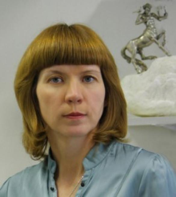 ЕЛЕНА БЕЗБОРОДОВА, заслуженный художник России, скульптор