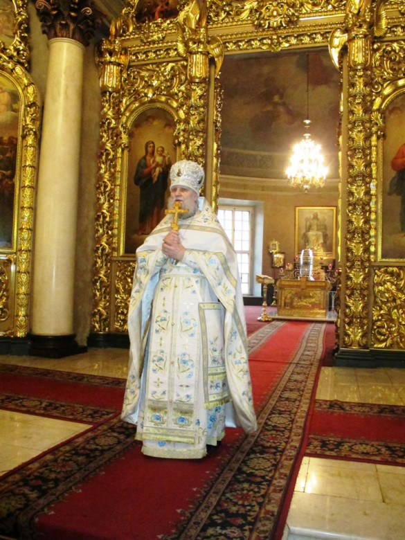 Диакон Сергий Уваров сослужил отцу благочинному в 52-ю годовщину его диаконской хиротонии