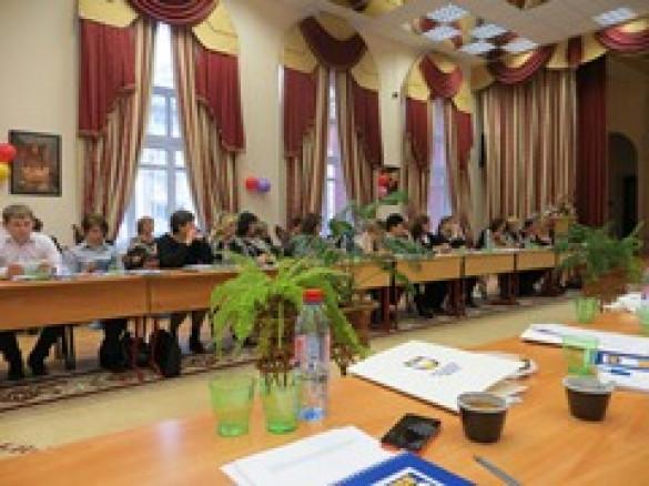 Диакон Сергий Уваров принял участие в работе круглого стола по проблемам защиты семьи и детства