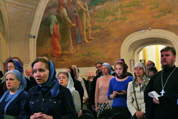 Социальный работник храма посетил собрание ответственных за социальное служение в Центральном Викариатстве