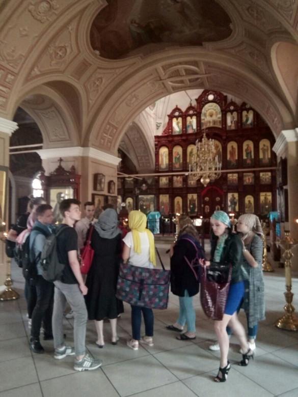 Наш храм посетила группа иконописцев